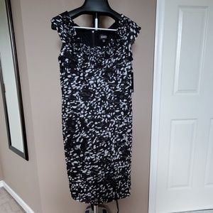 NWT Black and white Adrianna Papell dress, Size 12